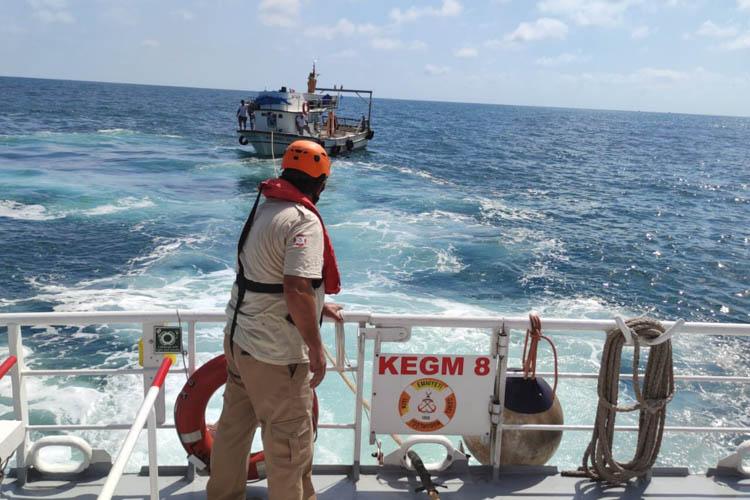 Beykoz Riva'da 5 kişilik tekneye operasyon
