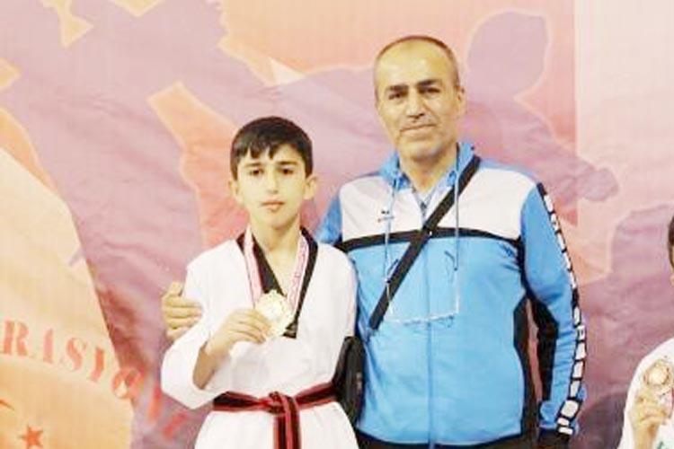 Beykoz'dan Türkiye Yıldızları Taekwondo şampiyonu çıktı