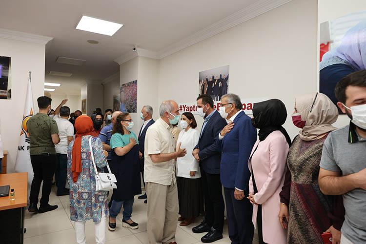 AK Parti Beykoz'da bayramlaşma geleneği sürüyor