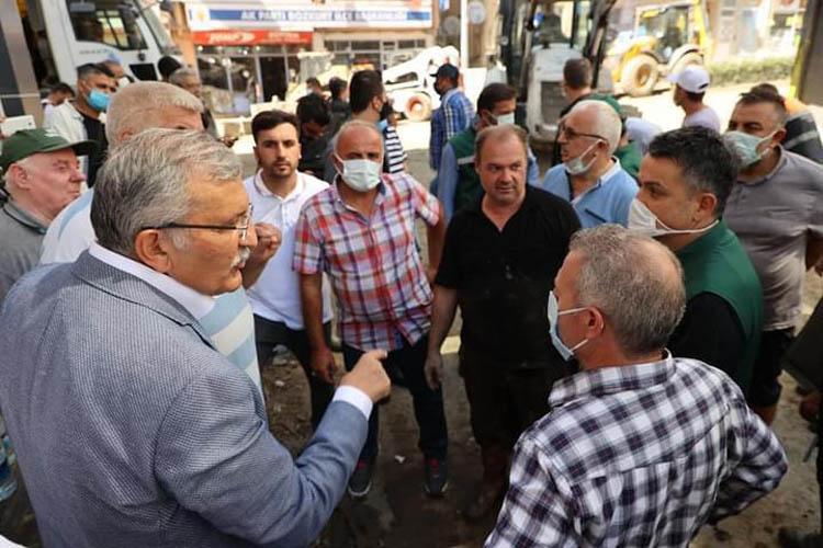 Beykoz Belediye Başkanı Murat Aydın sel bölgesinde