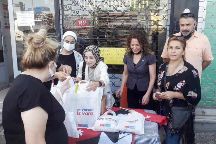 Beykoz'da Bir Poşet Tebessüm hareketi