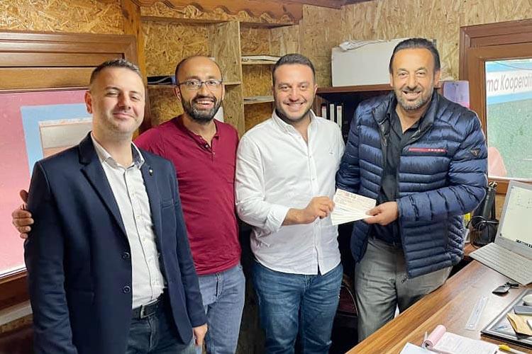 Ekrem İmamoğlu'ndan Beykoz'daki camiye 200 bin TL bağış