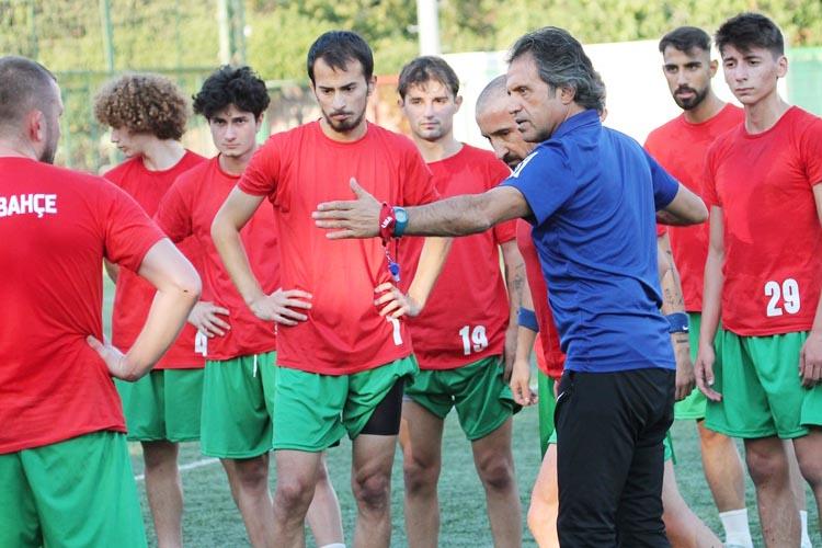 Paşabahçespor Tayfun Uzunkaya ile ilk antrenmanına çıktı