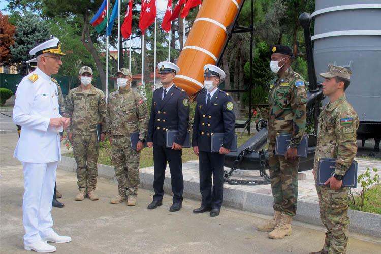 Azeri ve Somalili askerler Beykoz'da mezun oldu