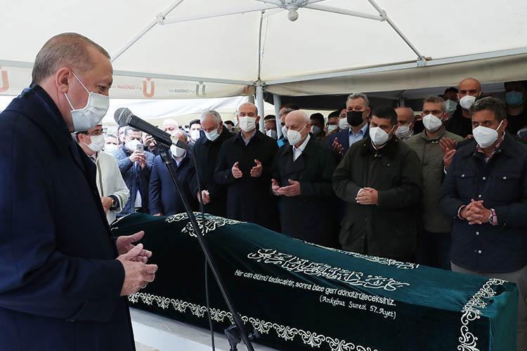 Hacı Ahmet Gür'ü binler son yolculuğuna uğurladı